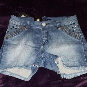 NWT R&R studded denim shorts
